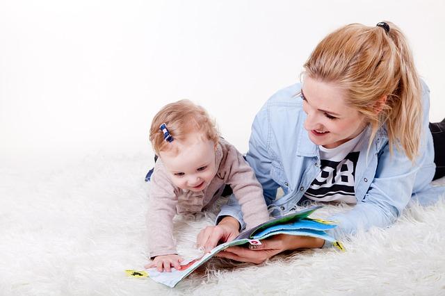 čtení s holčičkou