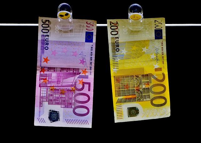 money-2647321_640